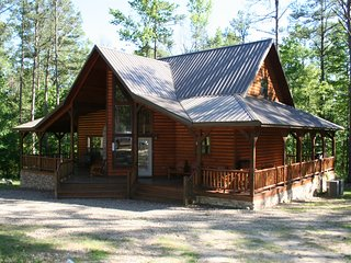 Honey Hole Cabin (sleeps 11) Pets allowed - Hochatown vacation rentals