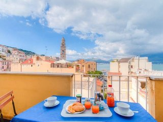 Holiday Home x7 P ♥ 2 Bdrs★3 Bathrs★between Rome&Naples★A/C★WiFi★Parking★Balcony - Gaeta vacation rentals