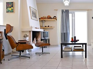 Great 2 bedrooms apt for6 in Marousi near Kifisias - Marousi vacation rentals