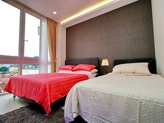 Brand New Designer Studio Near Bugis Fit 4 - Singapore vacation rentals