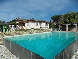 Spacious 4 bedroom Villa in Molezzano - Molezzano vacation rentals