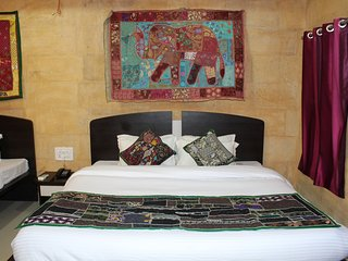 Bright 33 bedroom Jaisalmer Resort with Internet Access - Jaisalmer vacation rentals