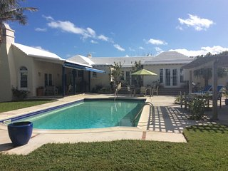Your very own 4 bedroom 4 bathroom house with a pool in Bermuda - Smith's vacation rentals