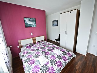 Bright 10 bedroom Vukovar Bed and Breakfast with Television - Vukovar vacation rentals