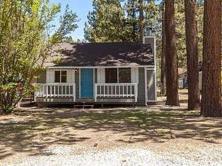Cozy City of Big Bear Lake House rental with Deck - City of Big Bear Lake vacation rentals
