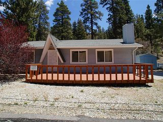 2 bedroom House with Deck in Fawnskin - Fawnskin vacation rentals