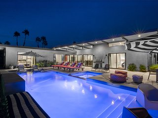 Just Built Modern Dream Home: All En Suite Baths at Your Private 5 Bedroom - Palm Springs vacation rentals