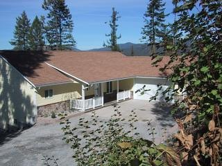 Sutton Place a Spectacular  Home for Your Next  Family Reunion - Hayden Lake vacation rentals