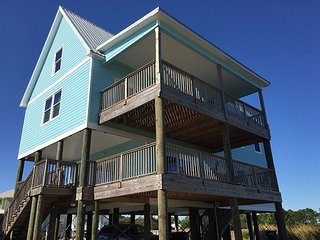Beautiful Spacious House with Beach and Bay access in Fort Morgan! - Fort Morgan vacation rentals