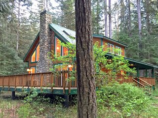 78SL Country Cabin with a Hot Tub near Mt. Baker - Glacier vacation rentals