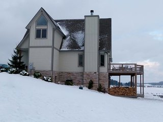 Rent 3 nights get one FREE!** 4BR Chalet-Hot Tub, Billiards, Fire Pit. - Swanton vacation rentals