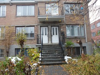 6 1/2 fully furnished upper duplex in c,d.n. - Cote Saint-Luc vacation rentals