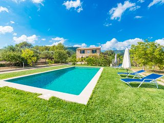 CAN VILLALONGA - Villa for 8 people in Biniamar - Lloseta vacation rentals