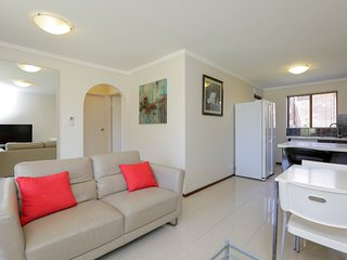 Parkline Apartments4 - 2 BRM G Floor FreeWifi Best Location Excellent Facilities - East Victoria Park vacation rentals