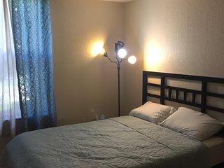 2  BEDROOMS/2 FULL BATH COZY 1400 SQ FT CONDO/SLEEPS 6 - Aurora vacation rentals