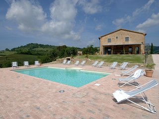 Beautiful 6 bedroom Villa in Guardistallo with Internet Access - Guardistallo vacation rentals