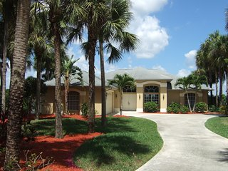 Villa Glenn ! From 110 palms surround !  Special price ! - Lehigh Acres vacation rentals