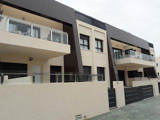 Luxury 3 bed, 2 bath first floor apartment, Playa Elisa Bay III, Mil Palmeras - Pilar de la Horadada vacation rentals