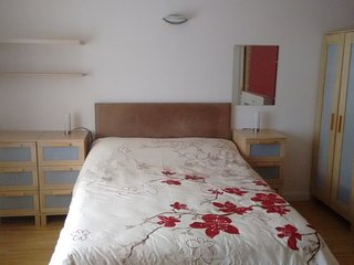 Large double bedroom in quite house - Stevenage vacation rentals