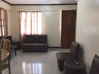 3 bedroom apartment free netflix - Tacloban vacation rentals