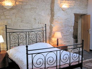 Languedoc rental property with private pool and views sleeps 12 - Nezignan l'Eveque vacation rentals