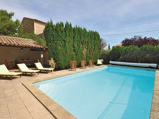 French rental properties in Roujan South France with private pool sleeps 16 - Roujan vacation rentals