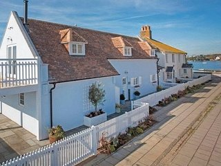 Stunning 4 bed waterside holiday home - Avon vacation rentals