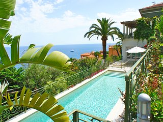 Luxurious 5 bedroom Villa 1 km from Monaco with pool house and heated pool - Roquebrune-Cap-Martin vacation rentals