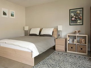 Private & Quite Guesthouse - Culver City vacation rentals