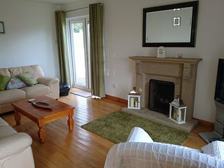 Bright 3 bedroom Killybegs House with Internet Access - Killybegs vacation rentals