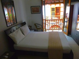 Old City Calle Moneda Apartments (studio, 1 BR, 2BR) - AC/WiFi/Hot Water - Cartagena vacation rentals