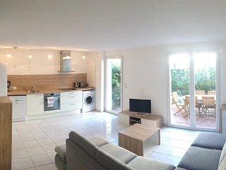 Villa 2 chambres & jardin à la mer WIFI PARKING - Torreilles Plage vacation rentals