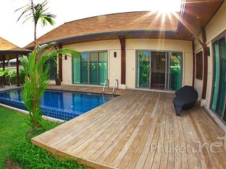 Lovely 2-Bed Pool Villa in Nai Harn - Nai Harn vacation rentals