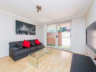 Simple and Cozy 2 Bedroom Abode - Sydney vacation rentals