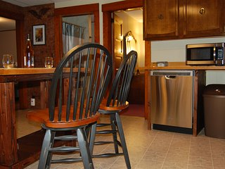 Loon Mt Luxury Escape: 5 bedroom in town - Lincoln vacation rentals