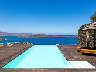 Perfect Villa with Internet Access and A/C - Agios Nikolaos vacation rentals
