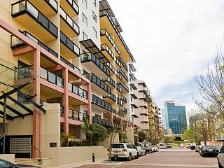 2-Bedroom Fully Self-Contained Apartment in Perth City - Perth vacation rentals