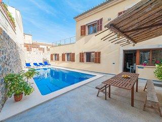 ES TRAST - Villa for 8 people in MARIA DE LA SALUT - Maria de la Salut vacation rentals