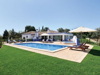 3 bedroom Villa in Boliqueime, Algarve, Portugal : ref 2249188 - Boliqueime vacation rentals