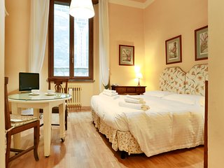 Comfy little apartment by Ponte Vecchio - Florence vacation rentals