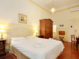 Beautiful two room flat by Ponte Vecchio - Florence vacation rentals