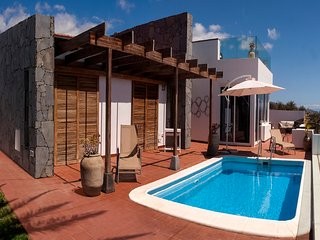 Comfortable Villa with Internet Access and Wireless Internet - Alajero vacation rentals