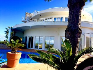 Fabulous and luxurious Villa in Burgau with stunning views over the countryside - Burgau vacation rentals