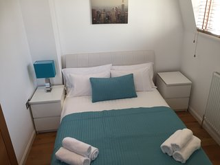 funky large one bedroom flat in Paddington, London F1 - London vacation rentals