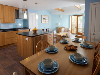 Spacious Dorset cottage ideal for friends & family - Broadmayne vacation rentals