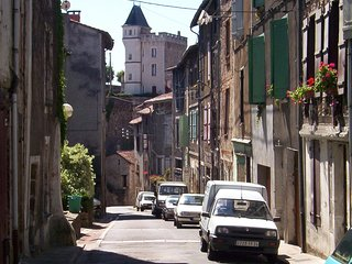 Perfect 3 Bed Family Medieval Town House - Nontron vacation rentals
