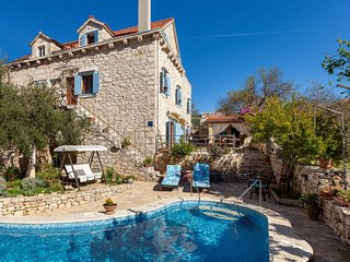 Traditional Dalmatian Villa Vicina with Sea View - Milna vacation rentals