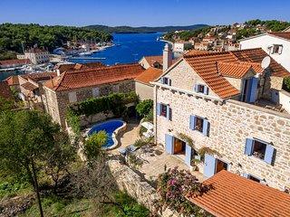 Traditional Dalmatian Villa Vicina with Sea View - Milna vacation rentals