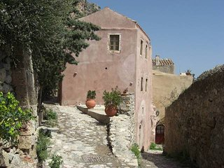 1BR traditional house in the medieval town of Monemvasia - Monemvasia vacation rentals