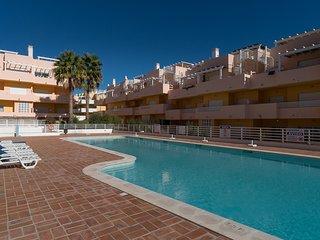 Trife Red Apartment, Cabanas Tavira, Algarve - Cabanas de Tavira vacation rentals